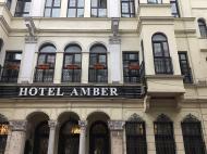 Amber, 3*